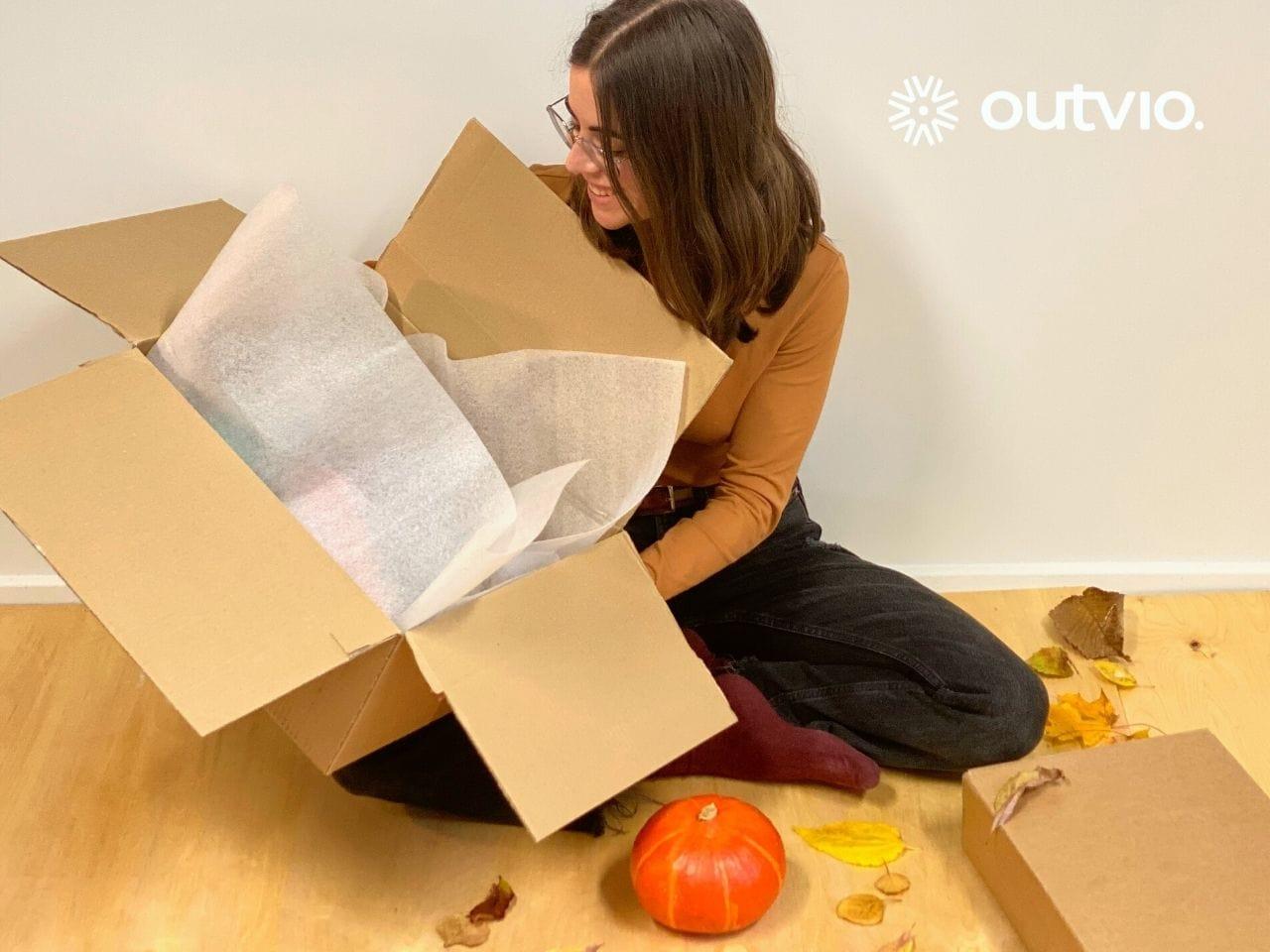 Decoración de Halloween para el packaging de un ecommerce.